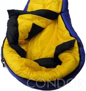 vyvýšená kapuce, límec, překrývací léga a vnitřní kapsa - spacák CONDOR